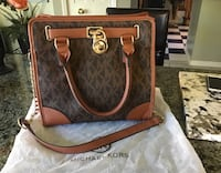 Brown beautiful purse Hamilton, L8W 3H2