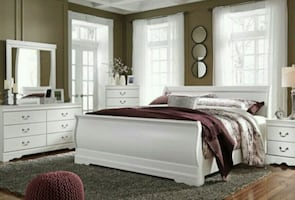 Anarasia White Panel Bedroom Set