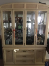 Used hutch, 4 chairs, dining table Coquitlam, V3K 3G7