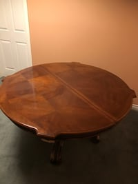 Free Beautiful Mahogany Table