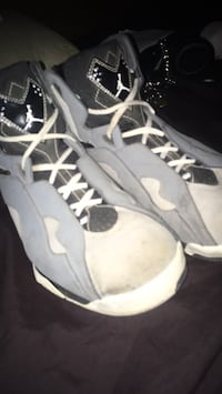 pair of gray-and-white Nike basketball shoes Cambridge, N3H 3R4