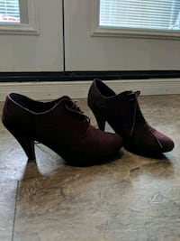 "2"" burgundy heels, with laces Pickering, L1X 2G4"