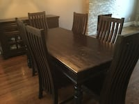 Solid wood dining room set Mississauga, L4Y 1W6