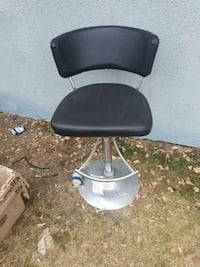 black and gray rolling chair Calgary, T2K 2J8
