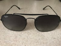 Ray ban 100% authentic tags still on !!  Waterbury, 06704