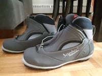 Rossignol boots,never worn,size9,reg.200+tax Montreal