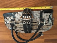 Guess purse Barrie