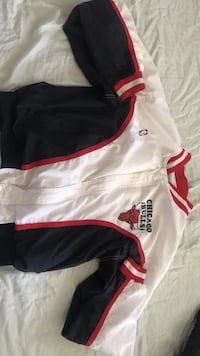 Chicago bulls x champion track jacket Burnaby, V5B 1K3