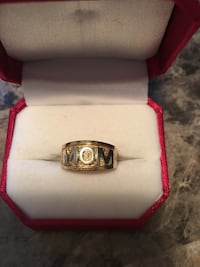 10 kt Yellow Gold  Mississauga, L4T 2W2