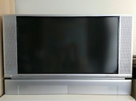 Hitachi 42V515  42-inch screen rear projection TV