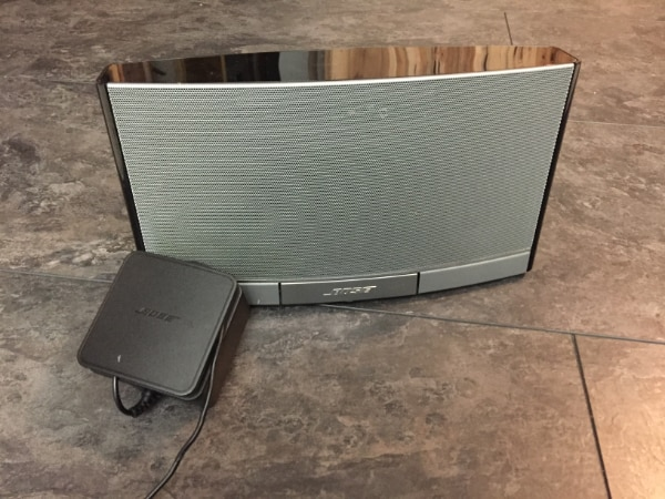 Bose SoundDock Portable Digital Music System with power adapter
