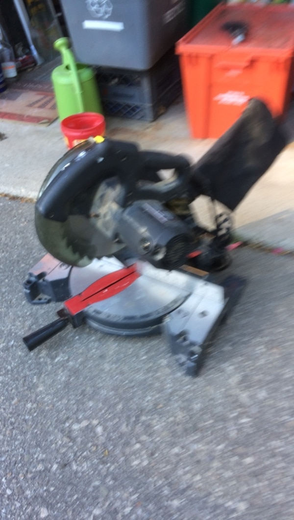 black and red miter saw