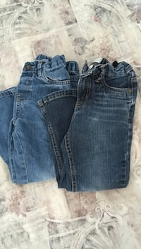 2 for 5 jeans. Size 4T 176 mi