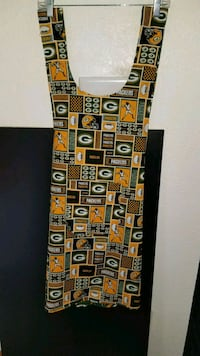 Awesome  handmade reversible  no-tie  aprons  647 mi