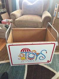 Vintage toy box Hagerstown, 21740