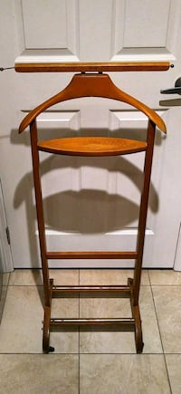 Wooden Suit/Clothes Valet Stand Toronto, M8Y 4G7
