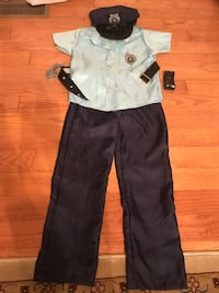 Boy's Policeman Halloween Outfit with Belt, Handcuffs, Hat and Walkie Talkie, Size 8, $10 Manassas, 20112