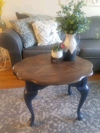 Beautiful refinished side table! Watertown, 02472