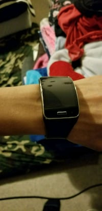 Samsung gear S watch  Vancouver, V6A 1X8