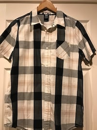 Black white and gray plaid print button up shirt Victorville, 92392