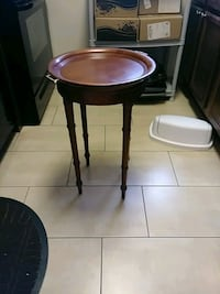 round brown wooden side table Hyattsville, 20782