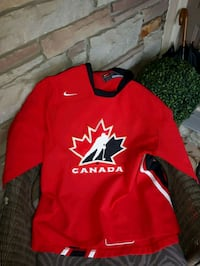 red and white Nike pullover hoodie Niagara Falls, L2J 1G5