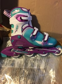 Women's roller derby adjustable (size 6-9) roller blades  Scranton, 18505