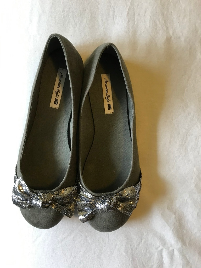 Photo BRAND NEW American Eagle slip-on, glitter bow, charcoal gray, size 7.5