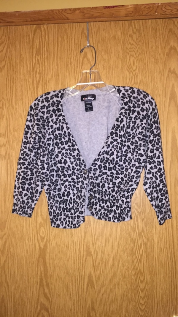 6c2934f41409 Used women's black and gray leopard print blazer for sale in Marshall -  letgo