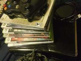XBOX 360 S Slim Bundle 6 Games