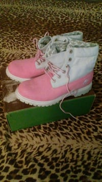 Pink & grey suede timberlands worn once Antioch