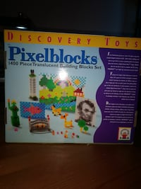 Discovery Toys Pixel Blocks 1400 piece translucent