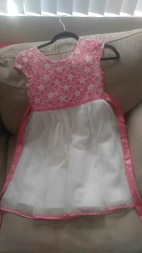 children's white and pink floral scoop-neck sleeve