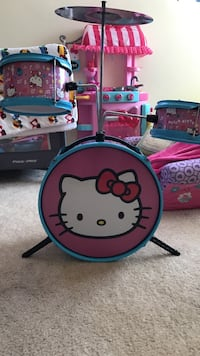 Pink, white, and blue Hello Kitty print drum set Beaumont, 92223