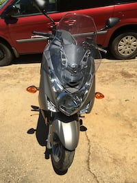 2015 Yamaha Smax 4800miles, clean title, kept in doors so in great condition. Fort Washington, 20744