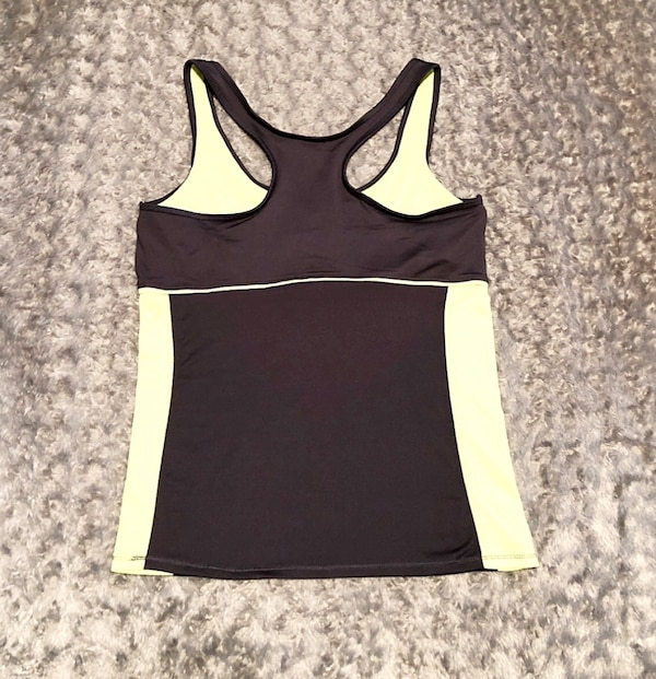 Women's RBX tank paid $28 size Large like new with built-in bra 1