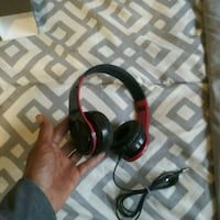 black and red corded headphones Chicago, 60629