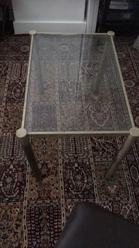 glass table Alexandria, 22311