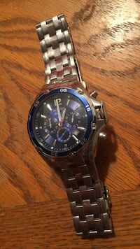 Bulova watch, needs like two links removed  Halifax, B2T 1A5