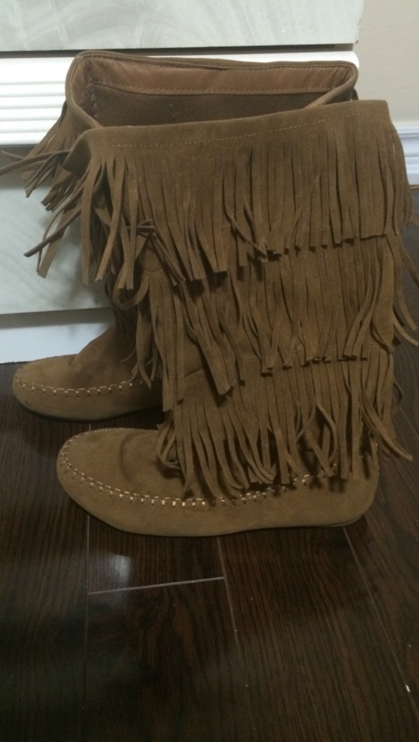 Boots size - 8