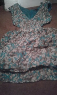 Flowered Hollister dress size medium  EDMONTON