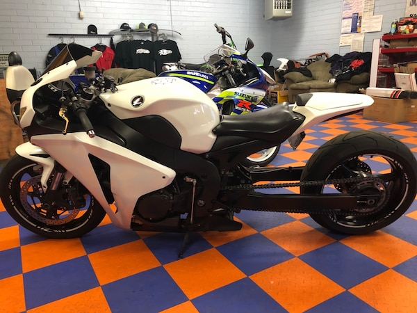 AB Cars 2008 Honda CBR1000RR stretched and lowered FAST!!
