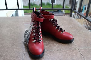 Brand new leather hiking boots red size 8