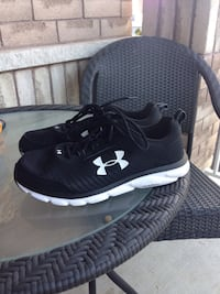 Under Armour men's running shoes new