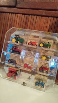 Antique Tractor Diecast Display League City, 77573