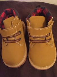 toddler's pair of brown leather shoes size 4  Russellville, 42276