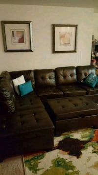 Sectional with storage and pull down cup holders Ashburn, 20147