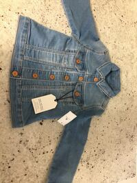 Boys or girls size 4 Gap Jean Jacket New with tags Toronto, M1M 3G2