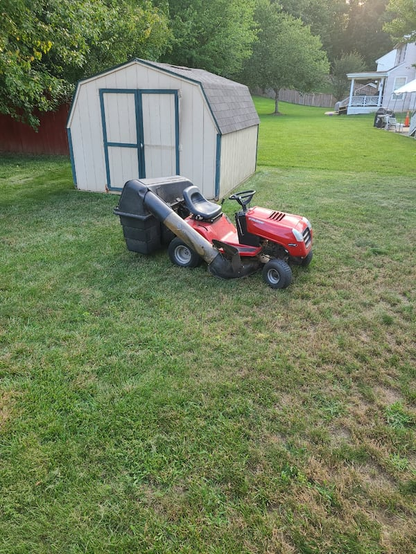 Riding mower needs a starter, Free with removal 09d4832f-42eb-4a84-a2a2-5024ea8a0b4a