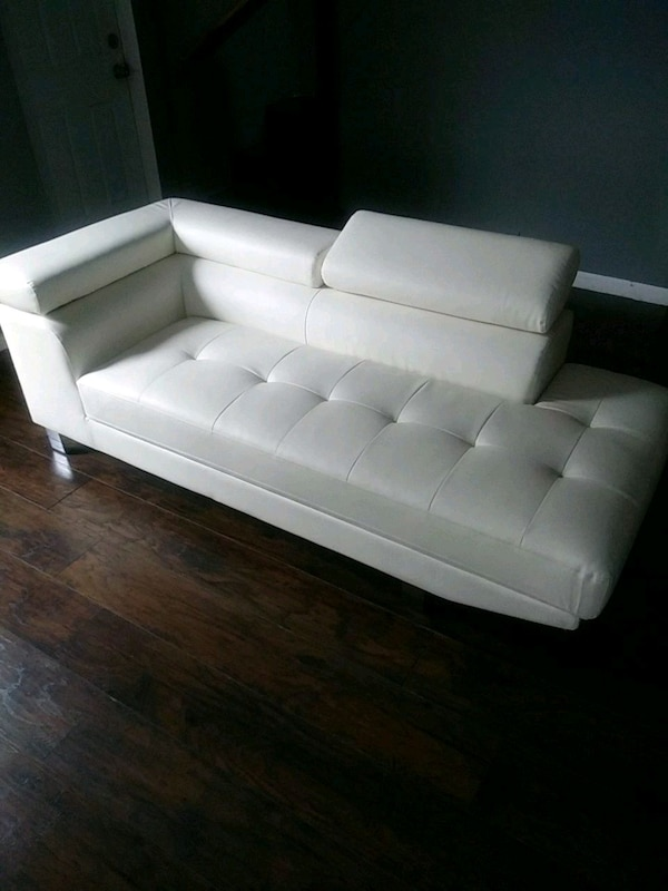 white leather tufted sectional sofa 59a2d182-4fe0-4aaf-bc81-b8f6f74db1e4